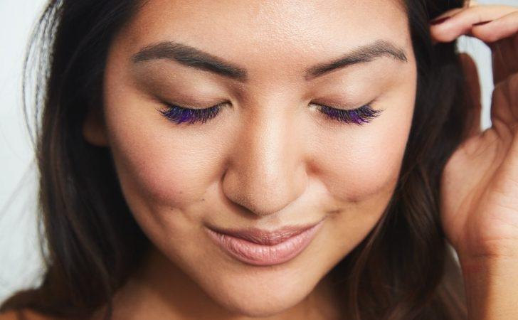 Kolorowe tusze do rzęs - brązowy, niebieski, fioletowy a może wybrać inny?